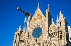 πρόσοψη του καθεδρικού ναού της Σιένα (Di Σιένα Duomo) Στοκ Εικόνες