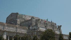 Πρόσοψη του κεντρικού σταθμού του Μιλάνου, Μιλάνο, Ιταλία απόθεμα βίντεο