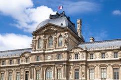 Πρόσοψη του κτηρίου του Παρισιού το καλοκαίρι Γαλλία Στοκ Εικόνα