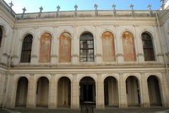 Πρόσοψη του νότιου μέρους της βίλας Pisani dellai προαυλίων σε Stra που είναι μια πόλη στην επαρχία της Βενετίας στο Βένετο Στοκ εικόνες με δικαίωμα ελεύθερης χρήσης