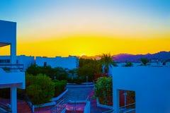 Πρόσοψη του ξενοδοχείου με Sheikh Sharm EL μπαλκονιών και παραθύρων, Αίγυπτος Στοκ Φωτογραφία