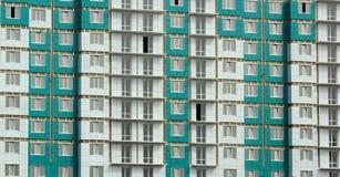 Πρόσοψη του πρόσφατα κατασκευασμένου κατοικημένου κτηρίου επιτροπής Στοκ Φωτογραφία