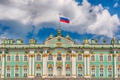 Πρόσοψη του χειμερινού παλατιού, μουσείο ερημητηρίων, Αγία Πετρούπολη, Ρ στοκ φωτογραφίες με δικαίωμα ελεύθερης χρήσης