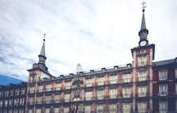 Πρόσοψη των κτηρίων δημάρχου Plaza στη Μαδρίτη Στοκ φωτογραφία με δικαίωμα ελεύθερης χρήσης