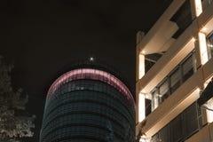 Πρόσοψη των νέων κτιρίων γραφείων στο Ντίσελντορφ, Γερμανία Στοκ φωτογραφία με δικαίωμα ελεύθερης χρήσης