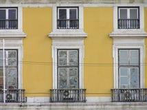 Πρόσοψη των σπιτιών στη Λισσαβώνα Στοκ Εικόνες