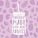 Πρόσφατα γίνοντας με τα πραγματικά φρούτα Συρμένο χέρι βάζο και Στοκ Εικόνα