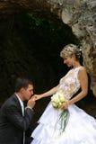 Πρόσφατα παντρεμένο ζευγάρι στοκ εικόνα