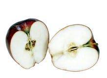 Πρόσφατα την εύγευστη κόκκινη Apple που απομονώνεται κόψτε Στοκ Φωτογραφίες