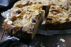 Πρόσφατα ψημένη σπιτική πίτα στοκ εικόνες με δικαίωμα ελεύθερης χρήσης