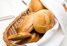 Πρόσφατα ψημένοι ρόλοι γευμάτων Στοκ εικόνες με δικαίωμα ελεύθερης χρήσης