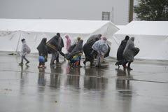 Πρόσφυγες σε Nickelsdorf, Αυστρία στοκ εικόνα