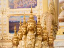 Πρόσωπα Naga Serveral ως άγαλμα ανθρώπων στα σκαλοπάτια στο βασιλικό Στοκ Εικόνες