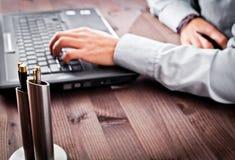 πρόσωπο γραφείων υπολογιστών Στοκ φωτογραφίες με δικαίωμα ελεύθερης χρήσης