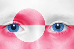 Πρόσωπο με τη greenlandic σημαία στοκ εικόνα
