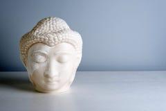 Πρόσωπο του Βούδα Άγαλμα του Βούδα φιαγμένο από άσπρο μάρμαρο με ελεύθερου χώρου για το κείμενο Έννοια της ειρήνης, της ηρεμίας κ Στοκ Εικόνα