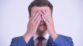 Πρόσωπο του νέου όμορφου επιχειρηματία που παρουσιάζει έννοια τριών σοφή πιθήκων φιλμ μικρού μήκους