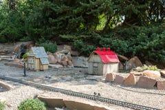 Πρότυπα σπίτια στο υπαίθριο σύνολο τραίνων Στοκ Εικόνα