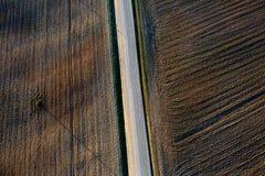 Πρότυπα στα πεδία καλλιεργήσιμου εδάφους στην άνοιξη στοκ εικόνες με δικαίωμα ελεύθερης χρήσης