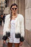 Πρότυπες εξωτερικές επιδείξεις μόδας του Marco de Vincenzo που χτίζουν για την εβδομάδα 2014 μόδας των γυναικών του Μιλάνου Στοκ φωτογραφία με δικαίωμα ελεύθερης χρήσης
