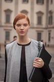 Πρότυπες εξωτερικές επιδείξεις μόδας του Marco de Vincenzo που χτίζουν για την εβδομάδα 2014 μόδας των γυναικών του Μιλάνου Στοκ εικόνες με δικαίωμα ελεύθερης χρήσης