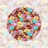 πρότυπο άνευ ραφής Διαφορετικές χρώματα και μορφές γλυκών Σχέδιο με τα γλυκά Στοκ Εικόνες