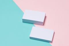 Πρότυπο επαγγελματικών καρτών στο υπόβαθρο δύο χρώματος στοκ εικόνα με δικαίωμα ελεύθερης χρήσης