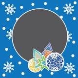 Πρότυπο καρτών Χριστουγέννων με τα παιχνίδια, snowflakes και fir-trees Στοκ Φωτογραφία