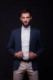 Πρότυπο κομψό σακάκι κοστουμιών πουκάμισων νεαρών άνδρων Στοκ εικόνες με δικαίωμα ελεύθερης χρήσης