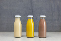 Πρότυπο μπουκαλιών χυμού - τρία μπουκάλια στοκ εικόνες