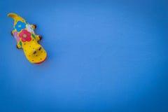 Πρότυπο μπλε υπόβαθρο κουκλών Gecko Στοκ εικόνες με δικαίωμα ελεύθερης χρήσης