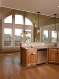 πρότυπο παράθυρο σφενδάμνου πολυτέλειας κουζινών 3 σπιτιών Στοκ εικόνα με δικαίωμα ελεύθερης χρήσης