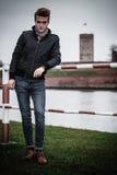 Πρότυπο πορτρέτο τύπων μόδας υπαίθρια Στοκ φωτογραφίες με δικαίωμα ελεύθερης χρήσης