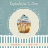 Πρότυπο πρόσκλησης με το watercolor cupcakes Διανυσματική απεικόνιση