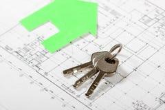 Πρότυπο σπίτι στο σχέδιο οικοδόμησης για την οικοδόμηση στοκ εικόνες