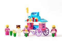 Πρότυπο σπιτιών παιχνιδιών επάνω Στοκ Φωτογραφίες