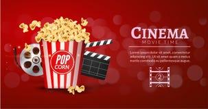 Πρότυπο σχεδίου εμβλημάτων ταινιών κινηματογράφων Έννοια κινηματογράφων με popcorn, filmstrip και clapper ταινιών Αφίσα κινηματογ Στοκ Εικόνες