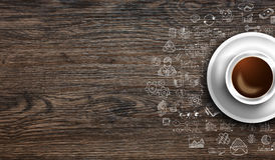 Πρότυπο υποβάθρου Infograph με έναν φρέσκο καφέ στον πραγματικό ξύλινο πίνακα Στοκ Φωτογραφία
