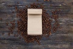 Πρότυπο φασολιών καφέ και τσαντών εγγράφου τεχνών Στοκ φωτογραφία με δικαίωμα ελεύθερης χρήσης