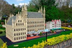 Πρότυπο LEGO της πόλης Leuvin του Βελγίου που επιδεικνύεται στο πάρκο Legoland Windsor miniland Στοκ εικόνα με δικαίωμα ελεύθερης χρήσης
