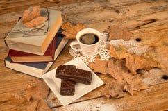 πρόχειρο φαγητό βιβλίων Στοκ εικόνα με δικαίωμα ελεύθερης χρήσης