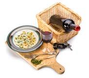 Πρόχειρο φαγητό κρασιού και τυριών στο ξύλινο planch Στοκ εικόνες με δικαίωμα ελεύθερης χρήσης