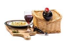 Πρόχειρο φαγητό κρασιού και τυριών στο ξύλινο planch Στοκ Εικόνες