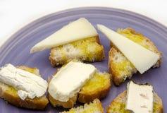 Πρόχειρο φαγητό του τυριού ψωμιού και αιγών Στοκ εικόνα με δικαίωμα ελεύθερης χρήσης