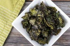 Πρόχειρο φαγητό τσιπ του Kale Στοκ Φωτογραφίες