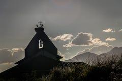 Πρόχωμα εκκλησιών στο ηλιοβασίλεμα Palencia στο βουνό Palencia στοκ εικόνες