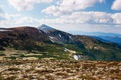 πρώιμη άνοιξη βουνών τοπίων Στοκ Φωτογραφίες