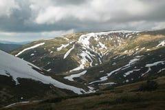 πρώιμη άνοιξη βουνών τοπίων Στοκ εικόνα με δικαίωμα ελεύθερης χρήσης