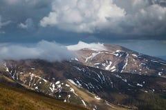 πρώιμη άνοιξη βουνών τοπίων Στοκ Φωτογραφία