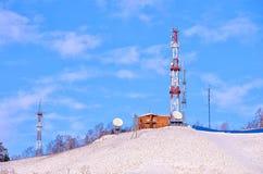 πρώιμοι πύργοι πύργων σκιαγραφιών πρωινού εικόνας επικοινωνίας Στοκ φωτογραφίες με δικαίωμα ελεύθερης χρήσης